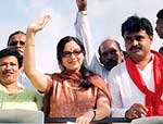 Soundarya in election campaign