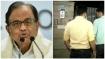 ചിദംബരത്തിന്റെ വീടിന് മുമ്പിൽ നോട്ടീസ് പതിപ്പിച്ച് സിബിഐ; 2  മണിക്കൂറിനുള്ളിൽ ഹാജരാകാൻ നിർദ്ദേശം