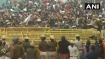 ജെഎന്യുവില് വന് വിദ്യാര്ത്ഥി പ്രതിഷേധം; കേന്ദ്ര മന്ത്രിയെ തടഞ്ഞുവെച്ചു, ബാരിക്കേഡുകള് തകര്ത്തു