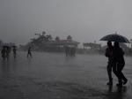 കോരിച്ചൊരിഞ്ഞ് മഴ, സംസ്ഥാനത്ത് 9 ജില്ലകളില് റെഡ് അലേര്ട്ട്, 5 ജില്ലകളിൽ ഓറഞ്ച് അലേര്ട്ട്