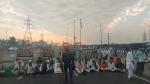 കര്ഷകരുടെ ഭാരത് ബന്ദില് സ്തംഭിച്ച് ദില്ലി; ഒന്നര കിലോ മീറ്ററോളം ഗതാഗതക്കുരുക്ക്