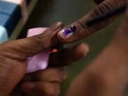 തദ്ദേശ തിരഞ്ഞെടുപ്പില് മുഖ്യ ആകര്ഷക കേന്ദ്രമായി പോസ്റ്ററുകള്