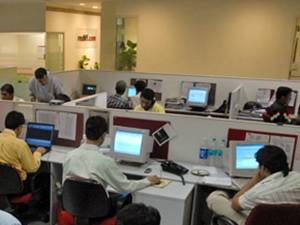Business Business Tech Graduates Swell Salary Stay Stagnant Aid