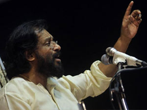 Fast Planned To Allow Entry For Yesudas In Guruvayoor Aid0167