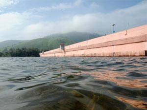 Supreme Court Panel Submits Report On Mullaperiyar Dam Aid0167