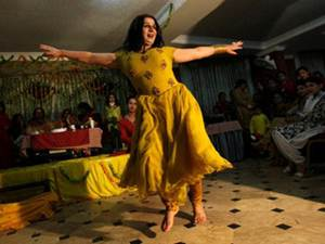Pakistani Villagers Face Death Wedding Dance