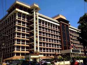 Kerala Hc Lifts Stay Order Cbi Custody Karayi Comrades