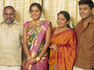 Ananya Shows Red All Rumors Actress Marry Anjaneyan 2