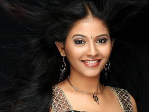 Anjali Denies Affair With Sundar C