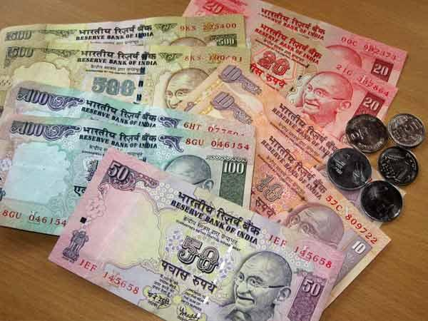 Locals Fish Out Mystery Cash Floating In Sea Near Gateway Of India