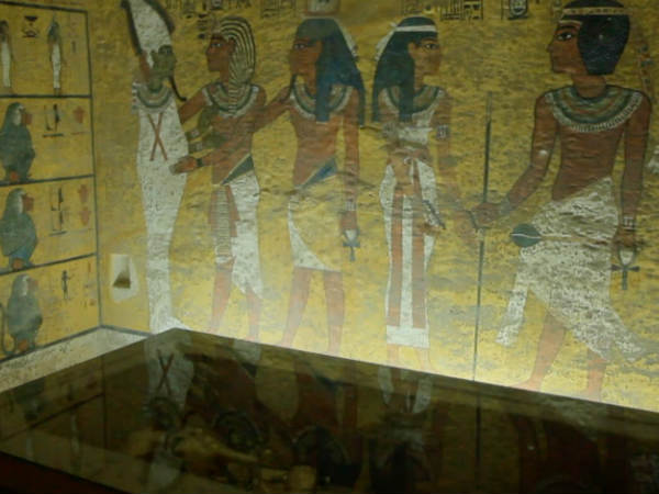 Tutankhamun Tomb Has Numerous Secret Chambers Egyptian Official Says