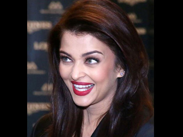 Aishwarya Rai Bachchan Heaps Praise On Pm Modi