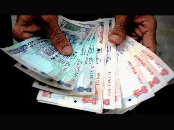 Bank Manager Lends Rs 7000 Customer S Cremation