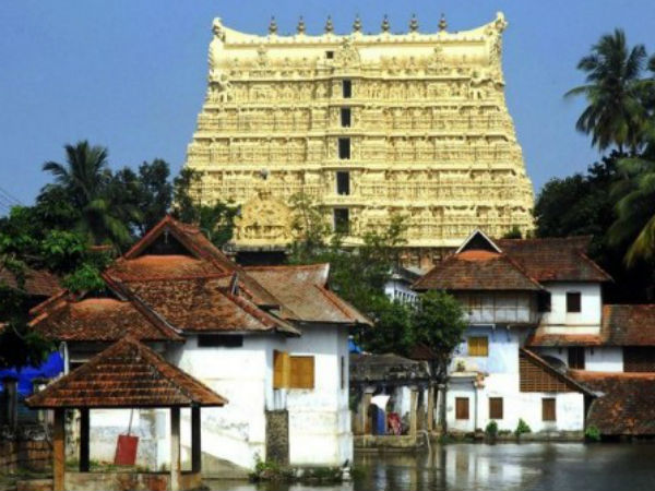 Devotees Wear Churidar Stopped In Padmanabhaswamy Temple