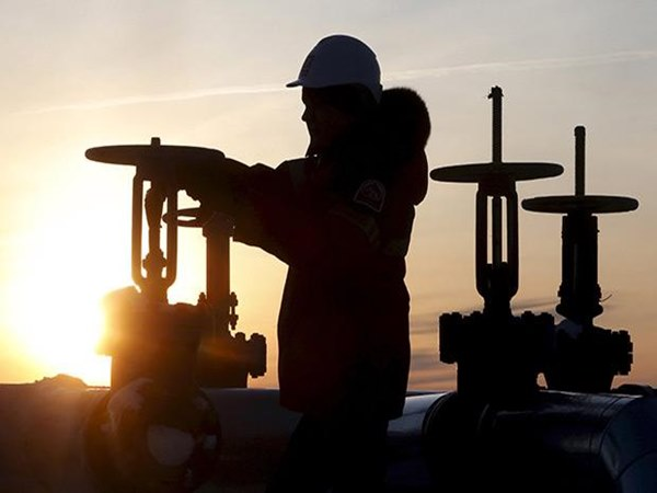 Oil Prices Surge After Opec Hashes A Deal Cut Production