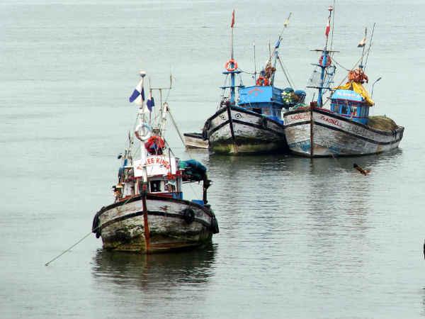 Pakistan Frees 220 Indian Fishermen