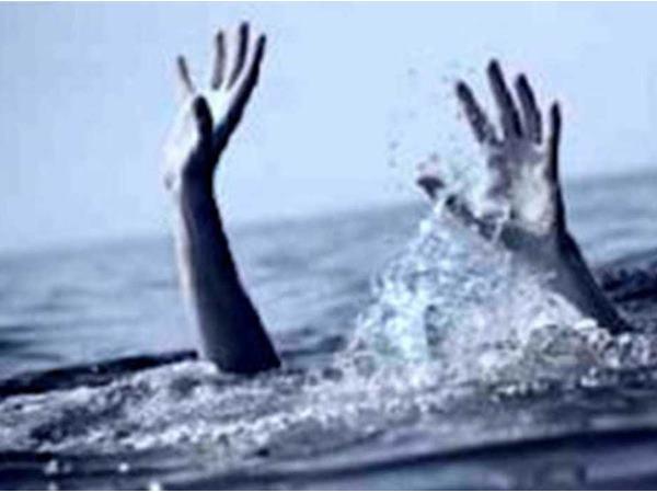 People Drown Powai Lake After Boat Capsizes