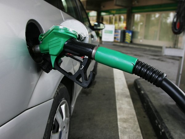 Petrol Prices Cut Rs 3 77 Litre Diesel Rs 2