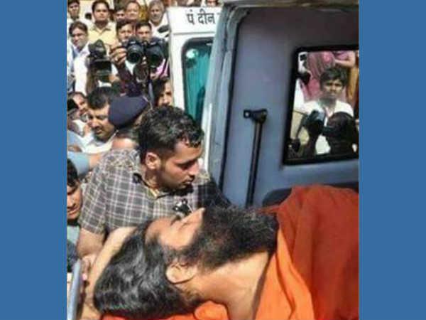 യോഗ ഗുരു ബാബാ രാംദേവ് വാഹനാപകടത്തില് 'കൊല്ലപ്പെട്ടതായി' പ്രചാരണം..!! ഞെട്ടിക്കുന്ന ചിത്രങ്ങള്..!!