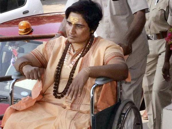 മാലെഗാവ് സ്ഫോടനം:   പ്രസാദ് പുരോഹിതിന് ജാമ്യം നിഷേധിച്ചു: സാധ്വി  പ്രഗ്യയ്ക്ക് ജാമ്യം