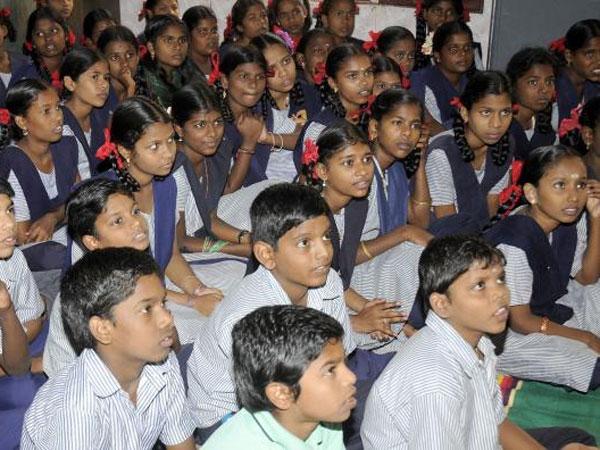 എട്ടാം ക്ലാസും ഇനി യുപിയില്!! 20,000ത്തോളം അധ്യാപകരുടെ  ചീട്ടുകീറും!!
