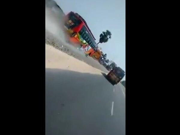 Video Buses Racing Goes Viral Detained The Buses