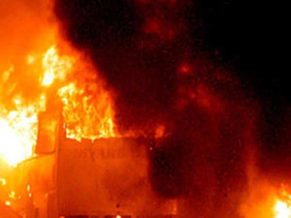 അഫ്ഗാനിസ്ഥാനിൽ കാര്ബോംബ് സ്ഫോടനം...! കൊല്ലപ്പെട്ടത്  ഇരുപതോളം പേര്..!! 50ലധികം പേർക്ക് പരിക്ക്..!
