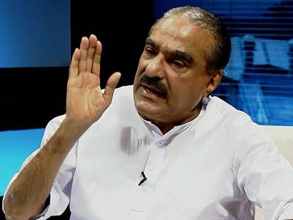 Km Mani Appears Bjp Event Kerala