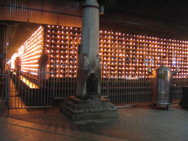 ഗുരുവായൂരിൽ പ്രസാദം വാങ്ങാനെത്തിയ സ്ത്രീയോട് കാവൽക്കാരന്റെ ക്രൂരത!തുടയെല്ല് പൊട്ടി ആശുപത്രിയിൽ