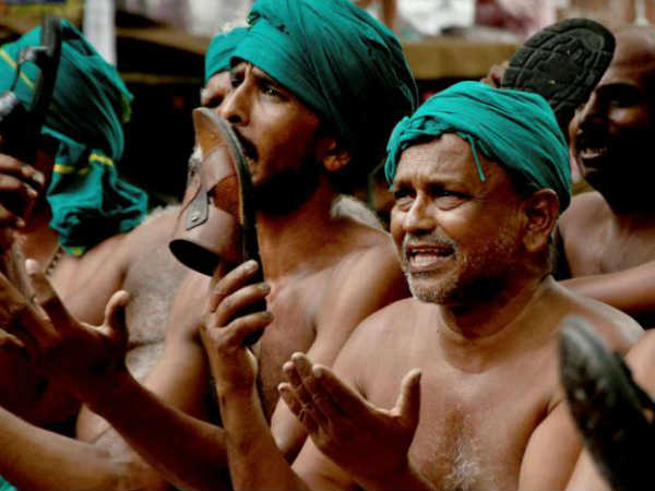 കർഷകർ കരഞ്ഞോട്ടേ !!! എംഎൽഎമാർക്ക് ശമ്പളം  വർധിപ്പിക്കണം !! ചെരുപ്പൂരി തല തല്ലി കർഷകർ!!!