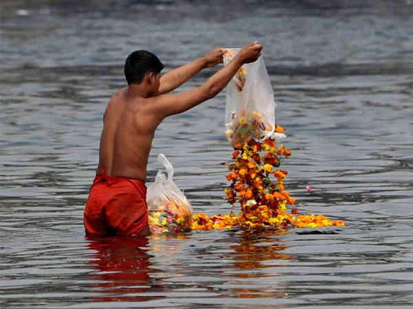 Supreme Court Stays Uttarakhand Hc S Order Declaring Ganga