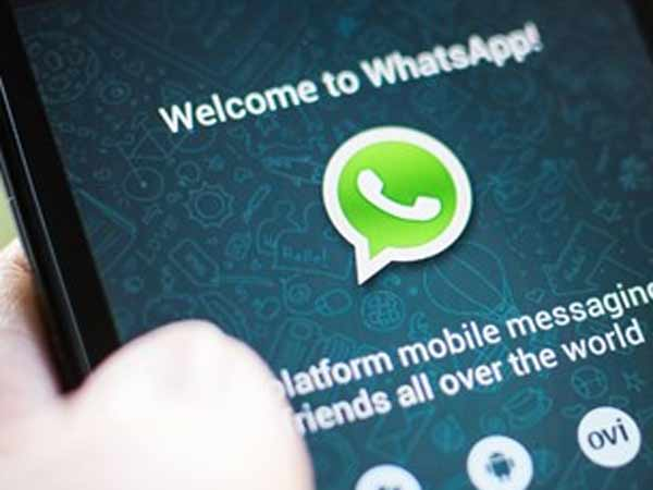 Whatsapp Coloured Text Status Now Rolling To Android Iphone