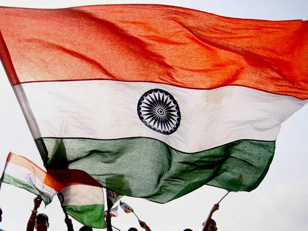 പ്രവാസി ഇന്ത്യക്കാരന് സ്വാതന്ത്ര്യദിന സമ്മാനം- 6.4 കോടി രൂപ, മലയാളിക്ക് ബിഎംഡബ്ല്യു ബൈക്ക്