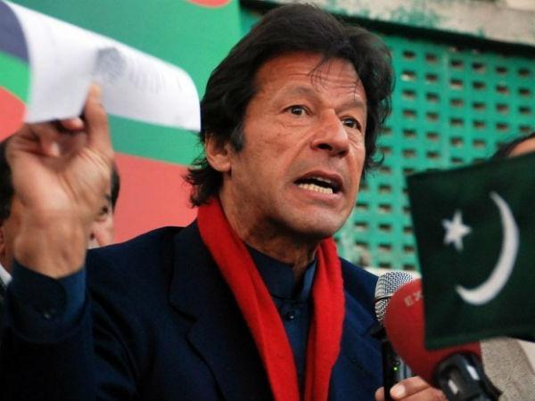 Imran Khan Accused Sending Obscene Smses Women Party Leaders