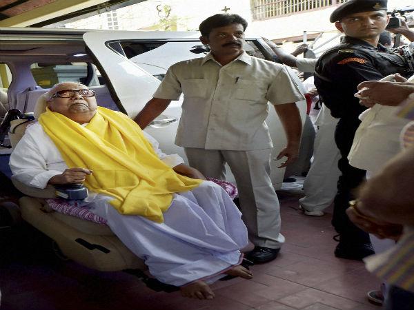 ശ്വാസതടസ്സം: ഡിഎംകെ നേതാവ് കരുണാനിധിയെ ആശുപത്രിയില് പ്രവേശിപ്പിച്ചു