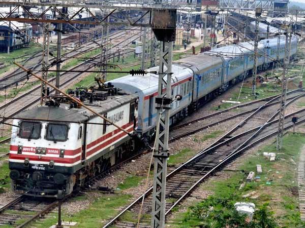 Railways Employees Set Get 78 Day Wages As Productivity Linked Bonus