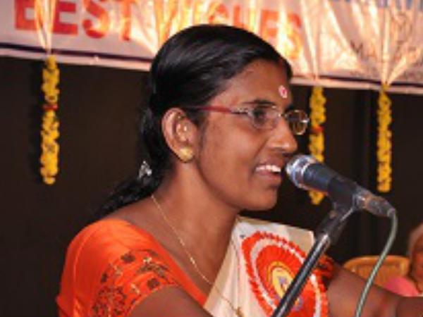 Sasikala Threatended To Writer