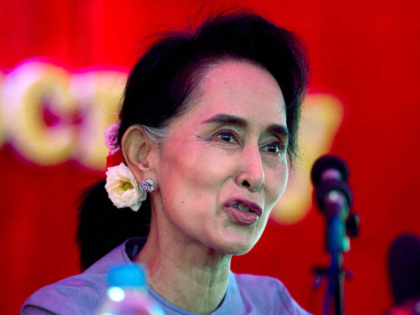 Suu Kyi Urged To Condemn Violence