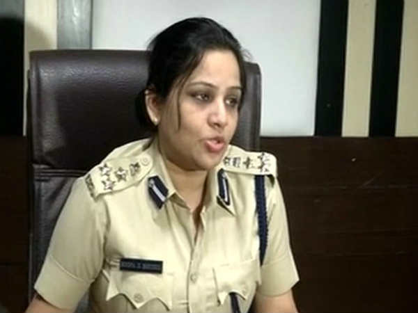 Karnataka Cop D Roopa Who Exposed Sasikalas Vip Treatment In Jail Gets Presidents Medal