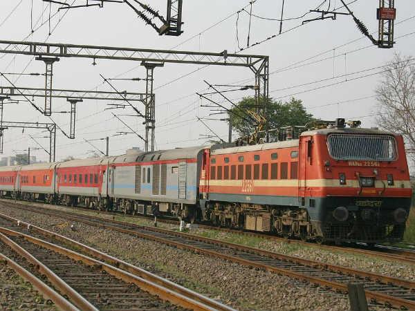 Jammu Rajdhani Express New Delhi Railway Station Derailment
