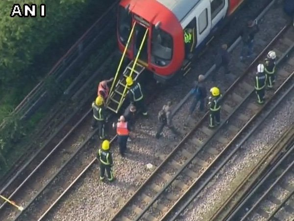 Isis Claims London Tube Attack City S Threat Level Raised