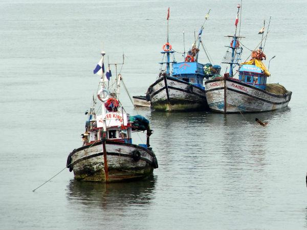 Beypore Boat Accident Three Ship Near Boat