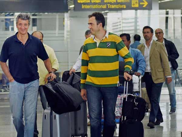 M Aadhaar Enough Enter Airports Now