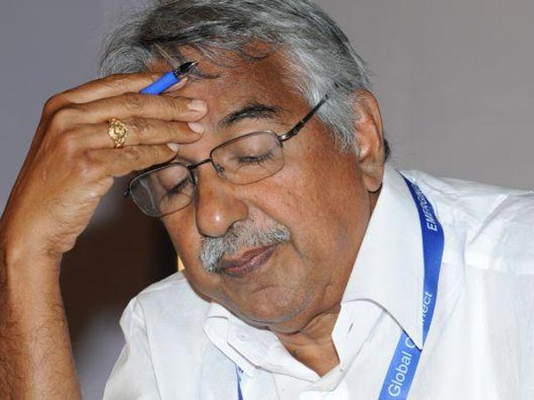 Govt Not Ready To Give Solar Report To Oommen Chandy