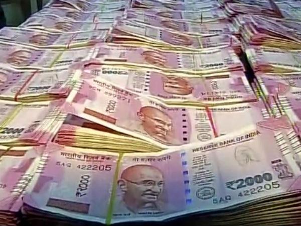 Lakhs Black Money Seized From Kuttippuram