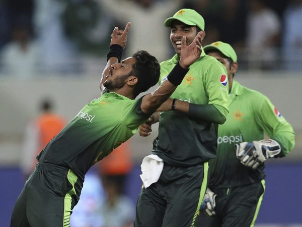 Pakistan Beat Sri Lanka 4th Odi By 7 Wickets In Sharjah