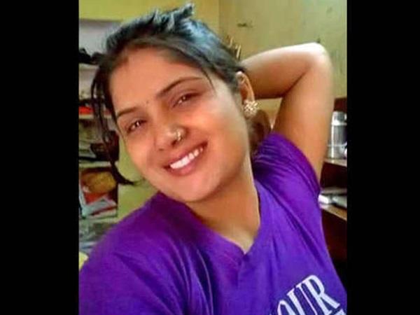 Woman Murders Husband Kids Lover Help