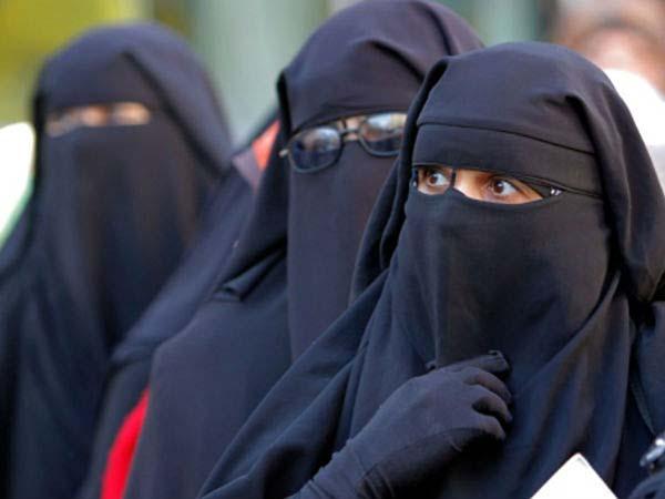 Deoband Bans Muslim Women From Sharing Selfies On Facebook Whatsapp