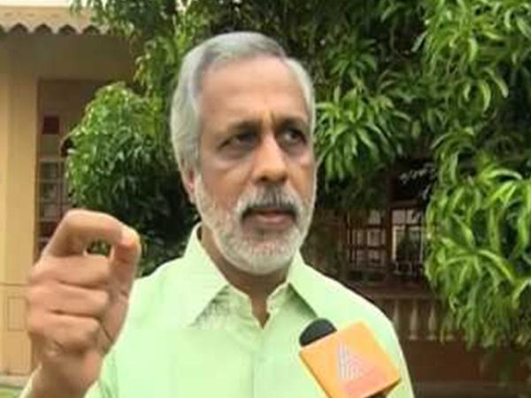 Cctv Visuals Of Advocate Cp Udayabhanu Visists Rajeev S House