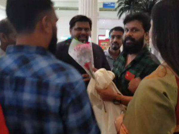 Dileep Reaches Dubai Airport For Inauguration Of Restaurant Video